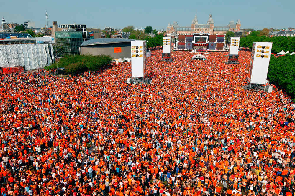 Crowd management in Amsterdam